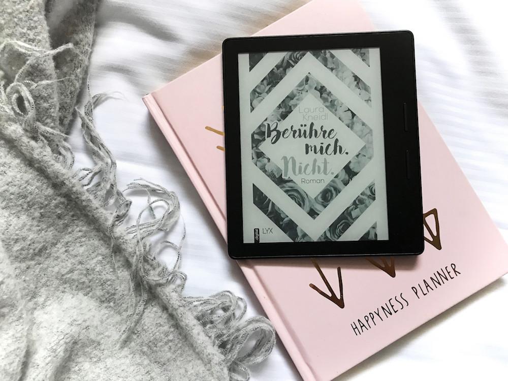 """Bookstagram """"Berühre mich. Nicht"""" von Laura Kneidl"""