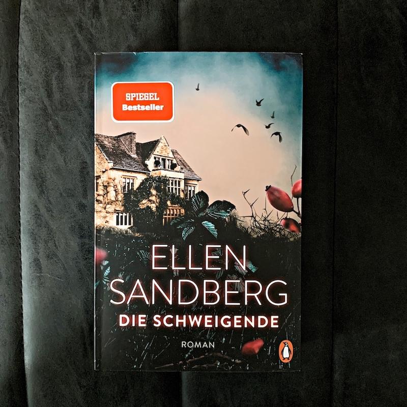 Buchcover Bookstagram Ellen Sandberg Die Schweigende